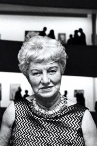 Peggy Guggenheim durante l'apertura del Museo Guggenheim