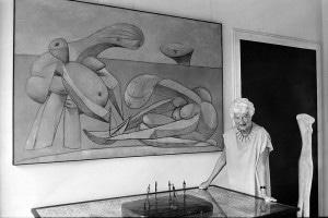 La collezionista d'arte Peggy Guggenheim nel suo museo sul Canal Grande a Venezia, 1979