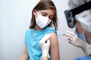 Vaccinazione degli studenti: il piano per la riapertura