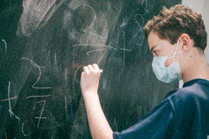 Rientro a scuola 2021 a rischio? Ipotesi quarta ondata