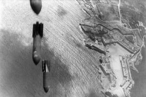 Attacco aereo italiano su Malta, 1942. Seconda guerra mondiale in Nordafrica/Mediterraneo