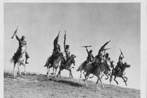 Truppe coloniali italiane a cavallo in Libia durante la seconda guerra mondiale, 1943