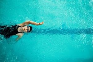 Il nuoto: qual è la sua storia? Come si pratica e quali sono gli stili?