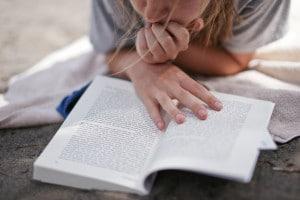 Quali figure retoriche contiene il capitolo 16 dei Promessi sposi?
