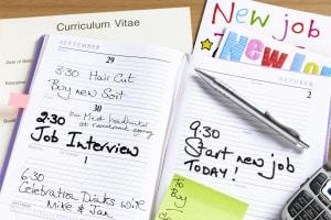 Come scrivere il curriculum per cercare lavoro all'estero